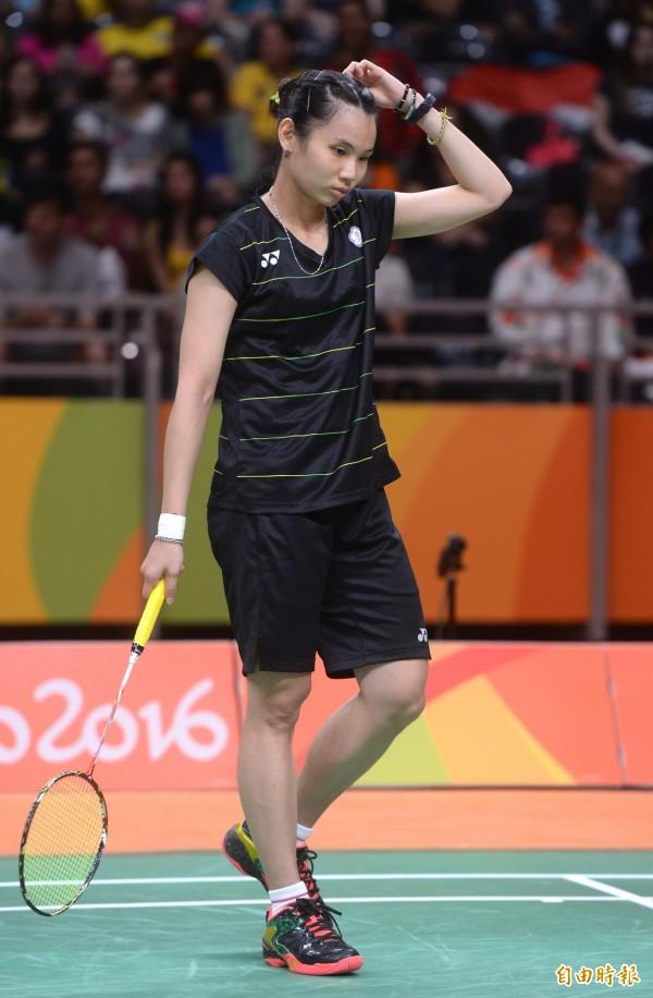羽球女將戴資穎,因為沒有穿贊助商的鞋子上場比賽,羽球協會揚言懲處,但卻被爆料不符國際規範。(資料照,記者林正堃攝)