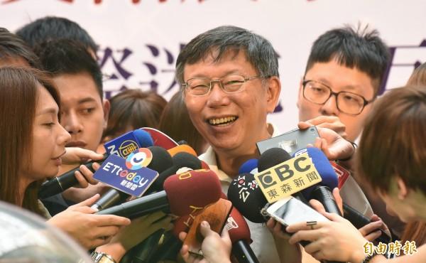 台北市長柯文哲過去曾說,「垃圾不分藍綠。」(記者劉信德攝)