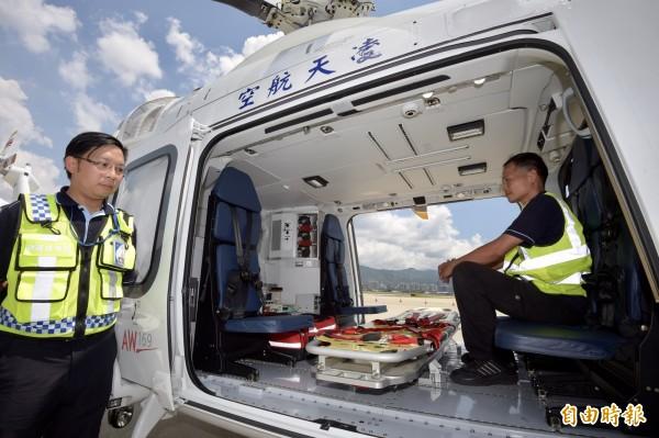 衛福部8日舉行金門、連江及澎湖三離島「專機駐地、安全轉送」救護航空器駐地服務記者會。(記者黃耀徵攝)