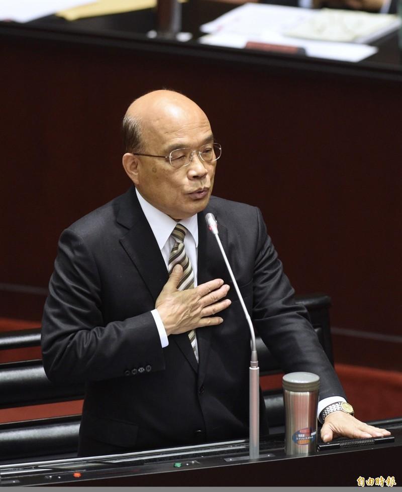 行政院長蘇貞昌在立法院接受質詢時說,經濟紅利到底有多少錢?應該怎麼做才最妥適,他很慎重,會要相關部會斟酌,目前還沒有結論。(記者羅沛德攝)