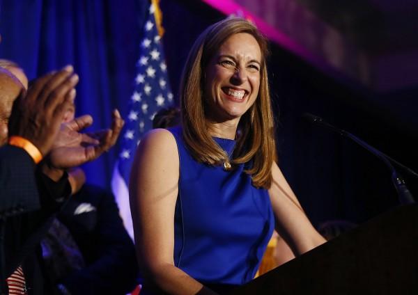 美眾院女議員達95席寫下歷史,圖為民主黨的薛瑞爾(Mikie Sherrill)進軍眾議院。(美聯社)