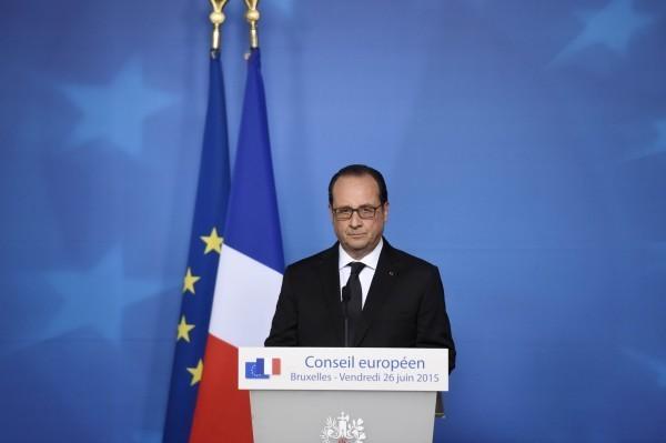 法國總統歐蘭德召開記者會說明案情,指出該起攻擊事件無疑是一場恐怖攻擊。(法新社)
