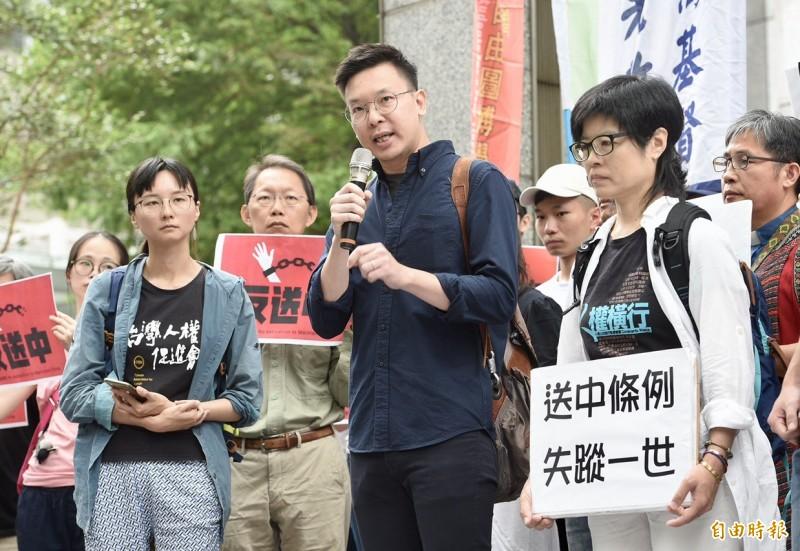 林飛帆強調,台灣與香港同樣站在中國威權擴張的第一線,香港的處境與台灣息息相關,現況其實是「今日香港,今日台灣」。(記者羅沛德攝)
