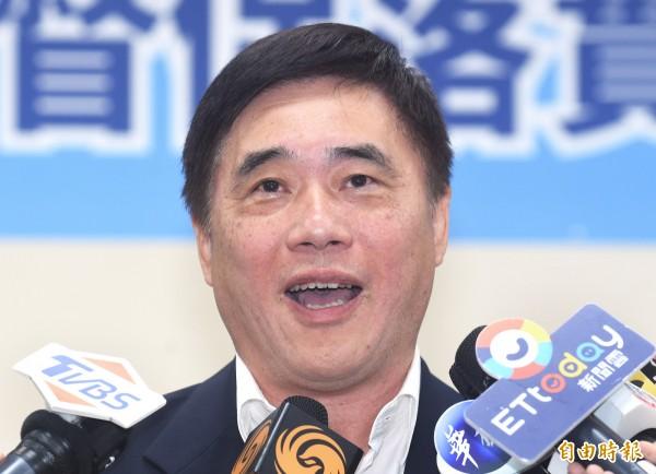 郝龍斌挺摑鄭麗君耳光:「官逼民反」遭網一片撻伐