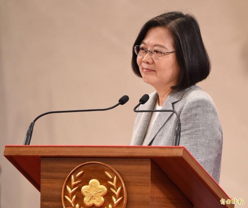 蔡英文總統在臉書表示,「北美事務協調委員會」有新的名稱「台灣美國事務委員會」,來自台美之間的共識,讓我們保持自信,繼續與世界同行!(資料照)