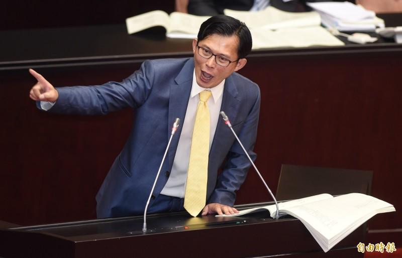 王浩宇認為,拒當「小綠」的黃國昌,以「擴大政黨票的空間」為策略,但其實是擔心自己選不上汐止區域立委。(資料照)