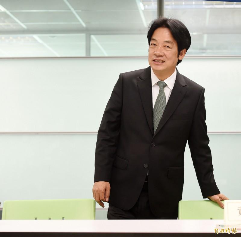 賴清德表示,既然自己能辭掉行政院長負起政治責任,也應該為了台灣的未來勇敢承擔,這就是登記黨內初選最重要的原因。(資料照)