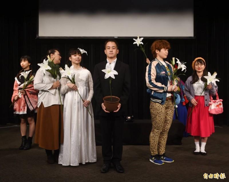 台大研究生協會舉行「南榕難容:nylon 30周年」系列活動,邀請日本櫻人劇團演出以鄭南榕故事為背景舞台劇。(記者方賓照攝)