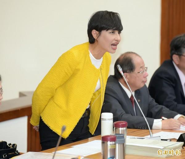 邱議瑩今早召開記者會,強調自己沒有失言,該譴責的是歧視女性的韓國瑜。(資料照)