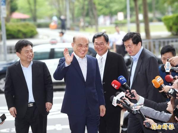 今天總統蔡英文於黨部約見蘇貞昌。(記者方賓照攝)