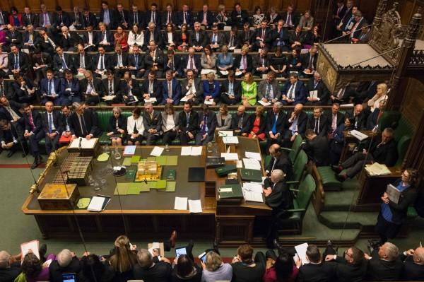 英國上議院於1、7日兩次否決首相梅伊主導的脫歐法案,但有外媒報導指出,英國下議院再次表決,否決了上議院通過的2項脫歐修訂案。(法新社)