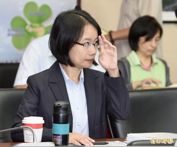 圖為北農總經理吳音寧赴議會報告第一果菜批發市場改建案。(資料照)