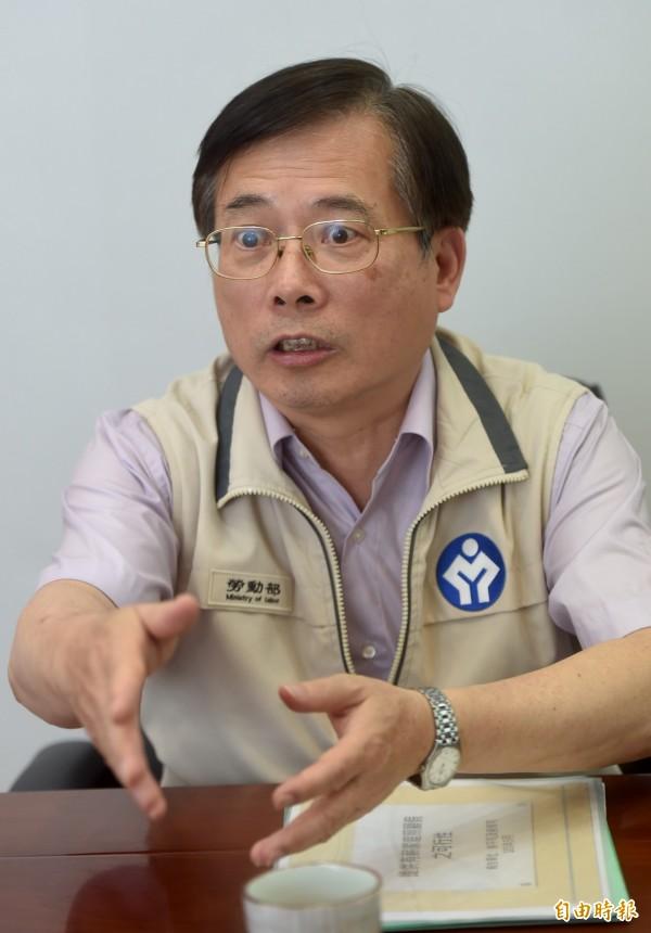 勞動部長郭芳煜(見圖)今天與經濟部長李世光會商,為推動週休2日修法等政策議題達成共識。(資料照,記者簡榮豐攝)