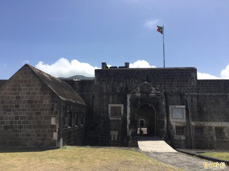 總統蔡英文訪問友邦聖克里斯多福及尼維斯參訪位在克國聖啟莰島的世界文化遺產之一、布林史東堡壘國家公園。(記者楊淳卉攝)