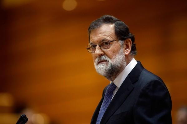西班牙參院在當地時間上午10時(台灣時間下午4時)開議,總理拉霍伊呼籲參議院批准接管加泰隆尼亞,藉由此舉阻止加泰隆尼亞走向獨立。(法新社)