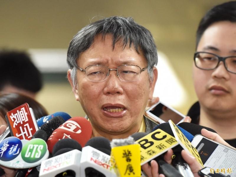 台北市長柯文哲25日接受媒體訪問。(記者黃耀徵攝)