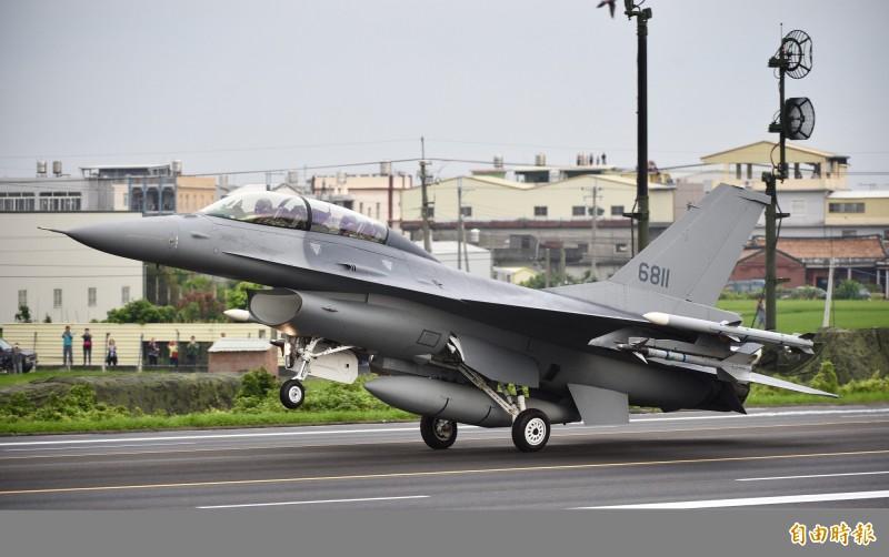 洛克希德馬丁在歐洲持續推銷F-16與升級成F-16V的機會,如此一來已從F-16升級為F-16V的台灣也可獲得權利金。圖為台灣空軍的F-16V。(資料照)