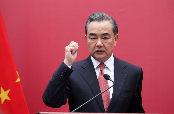 對於中國政府在新疆採取的行動,王毅強調那是中國政府為新疆2000萬人民做的好事,「他們現在都非常贊成政府採取的做法」。(路透)