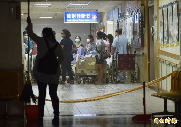 衛福部護理之家大火,造成9死、11重傷。(記者羅沛德攝)
