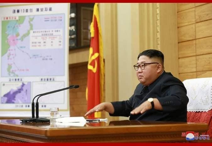 颱風玲玲成為第一個登陸北韓的颱風,北韓領導人金正恩緊急召集勞動黨中央軍事委員會應變。(圖擷自朝中社)