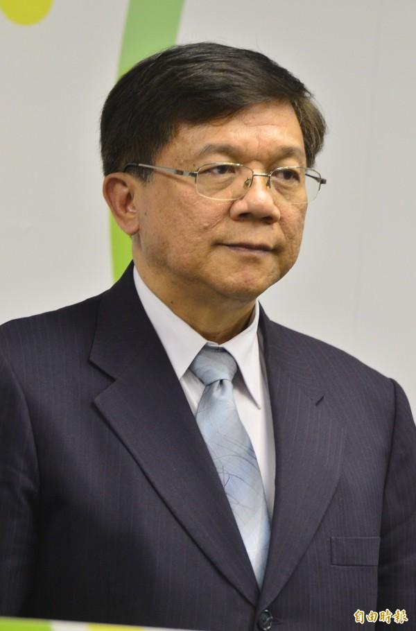 勞動部長郭芳煜今天與經濟部長李世光(見圖)會商,為推動週休2日修法等政策議題達成共識。(資料照,記者王藝菘攝)