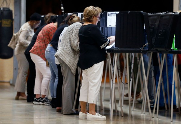 美國期中選舉進入開票階段。(法新社)