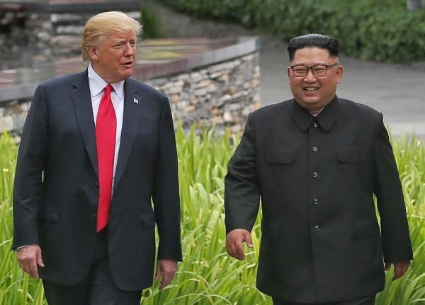 《法新社》報導,金正恩承諾,願意在朝鮮半島實施完全去核化。(歐新社)