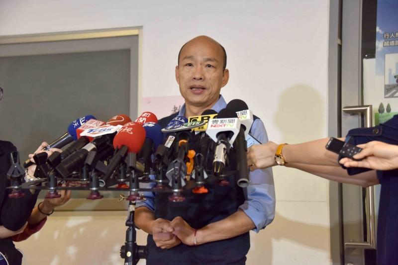 高雄市長韓國瑜日前談起國防議題,批評台灣軍隊沒有軍法,增加國防預算無濟於事,如同「太監穿西裝」,引發外界批評。(資料照)