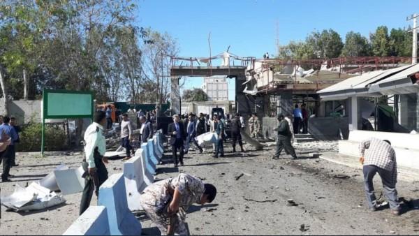 伊朗南部重要港口恰赫巴哈爾遭汽車炸彈恐攻,至少造成4死19傷。(圖擷自Twitter)