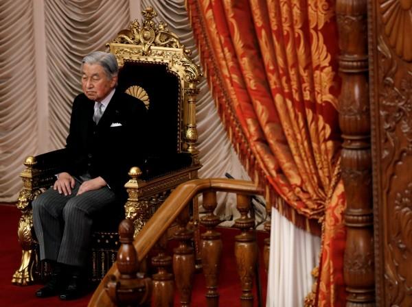 日本天皇明仁在登基後,從未前往靖國神社參拜。(路透)