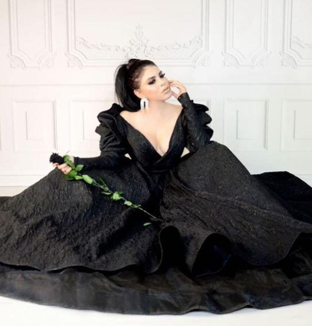 墨西哥「暗殺女皇」菲利克斯常在社群上分享辣照。(圖擷自bellezademujeres_ Instagram)