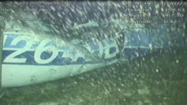 上月21日在海峽群島(Channel Islands)外海失聯的飛機,直到本月3日才在67公尺深的海中發現機身殘骸。(路透)