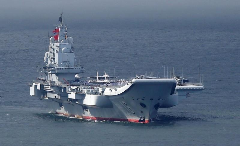 中國遼寧艦(見圖)為中國首艘航空母艦。(路透檔案照)