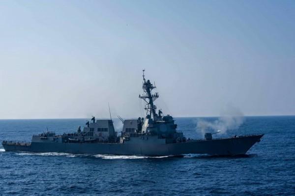 美國2艘軍艦28日通過台灣海峽。圖為美國飛彈驅逐艦史托克代爾號。(圖擷取自USS Stockdale臉書)