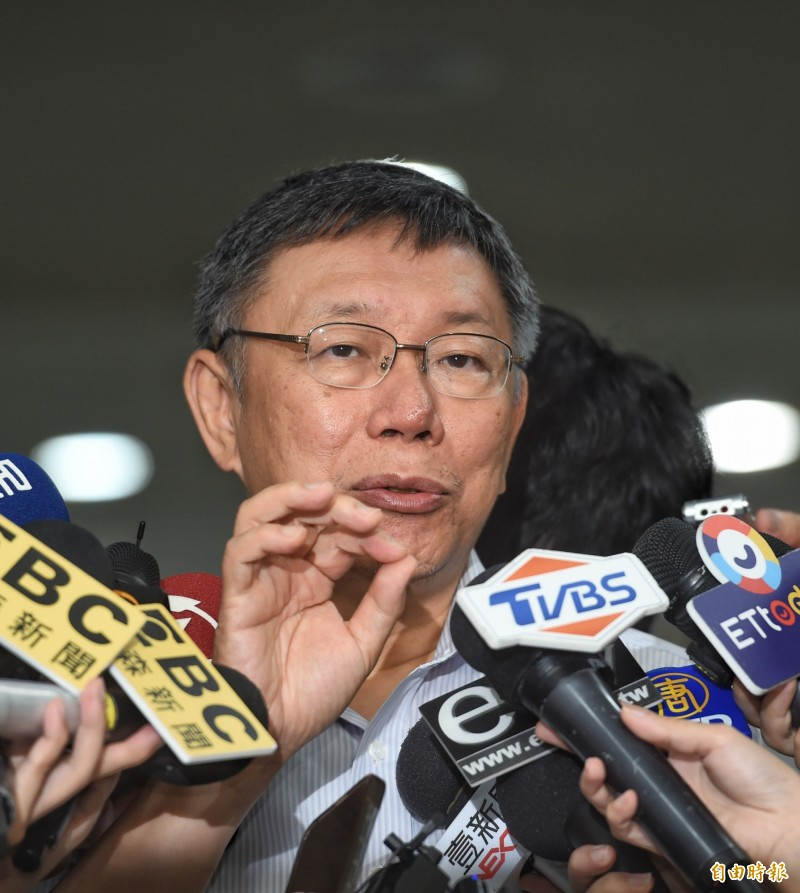 台北市長柯文哲今接受媒體採訪。(記者方賓照攝)