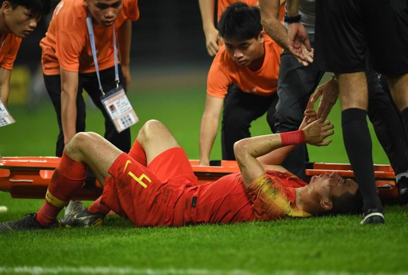 第3屆中國盃足球賽21日開踢,地主隊當晚就被踢出決賽。(法新社)