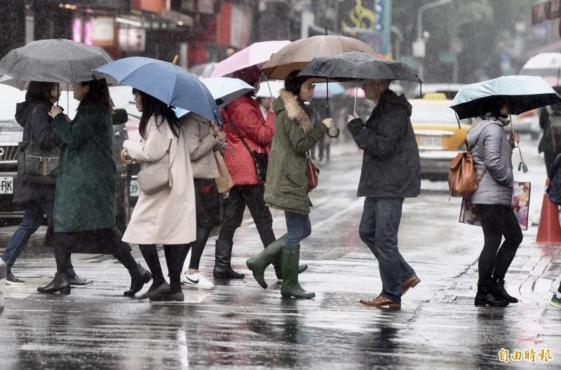 氣象專家李知航指出,清明連假天氣變化仍大,但大致上是「前期較涼、週末溫暖」的趨勢。(資料照)