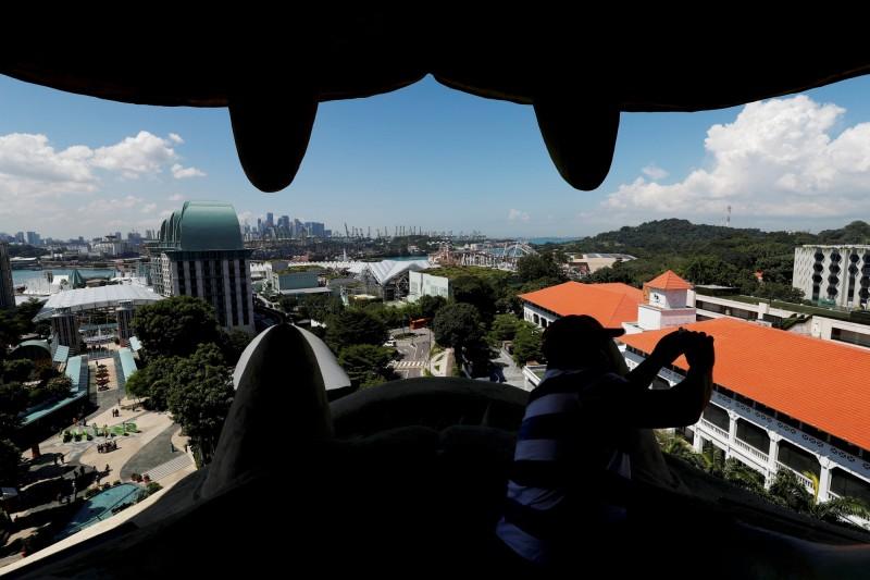 新加坡知名的旅遊景點「聖淘沙魚尾獅」下月20日將拆除。(路透)