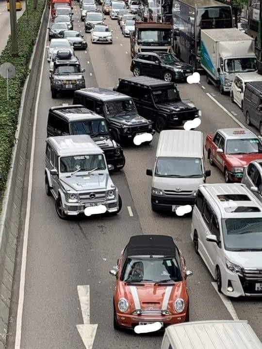 香港主幹道發生多起「熄火」、「車禍」事故。(擷取自PTT)