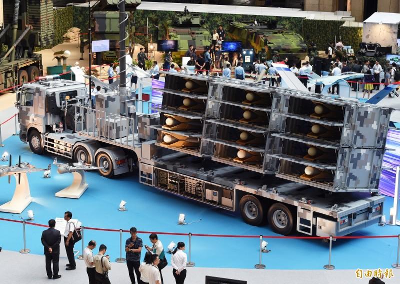 國防部14日舉行「2019年臺北國際航太暨國防工業展」展前記者會,聯合作戰展區展出42項武器裝備,圖中為反輻射無人機載具。(記者廖振輝攝)