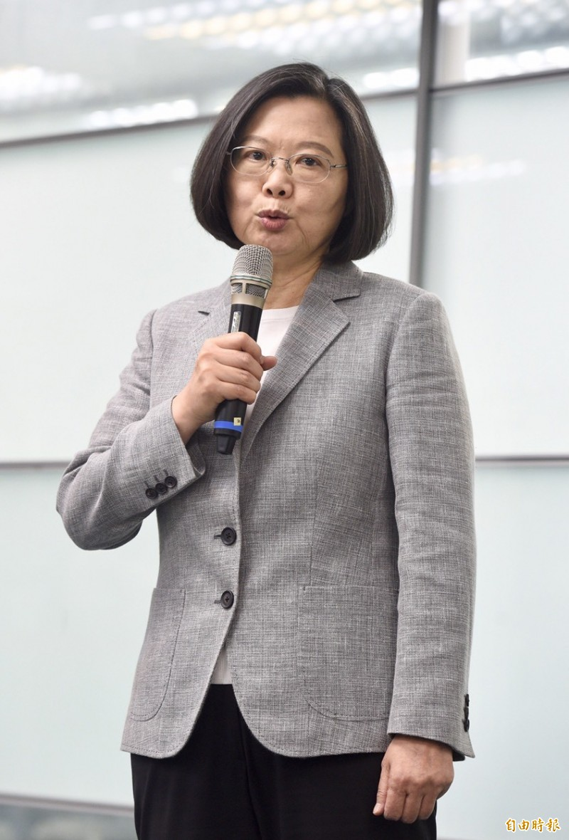 蔡英文提醒韓國瑜應多花時間在高雄市政上。(記者羅沛德攝)
