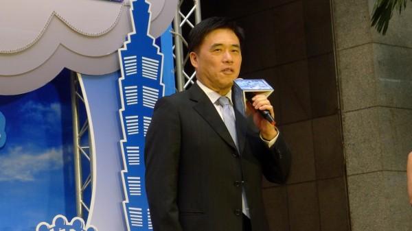 台北市長郝龍斌早上在金門拜票時,透露松山線將於11月15日正式通車。(資料照,記者吳亮儀攝)