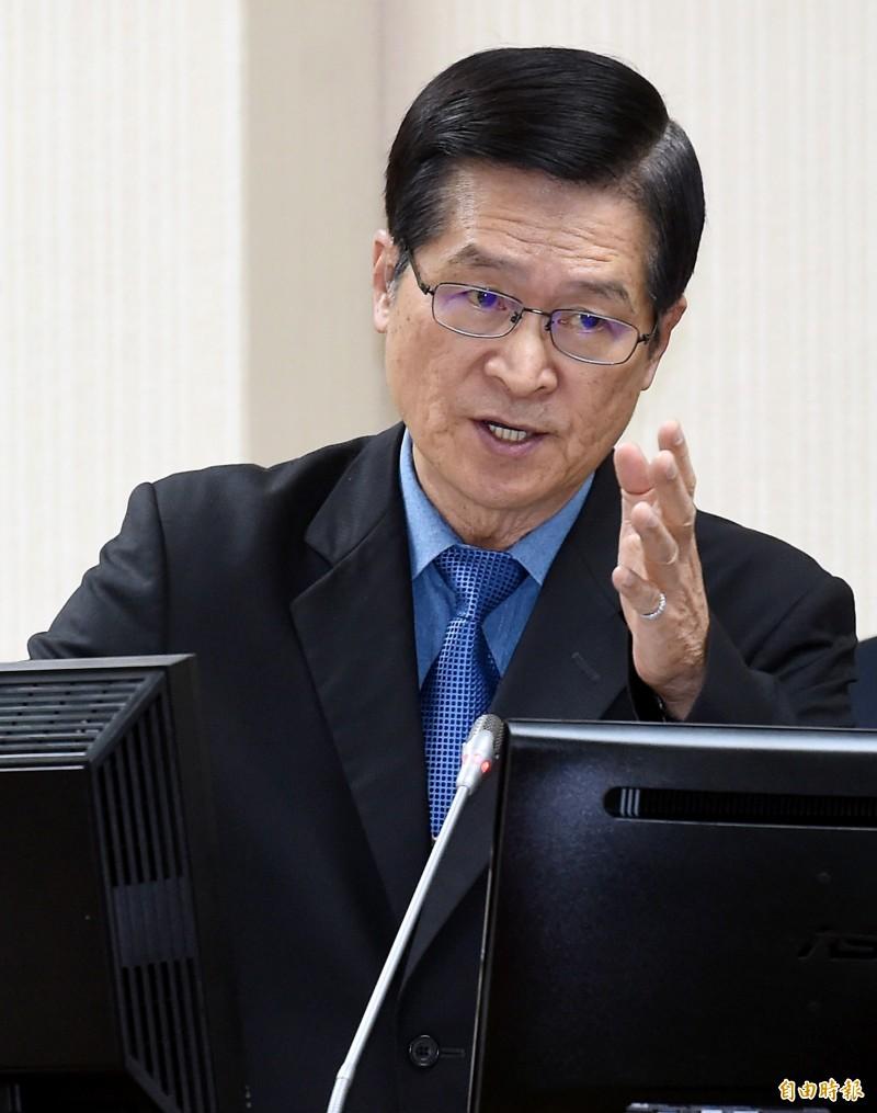 國防部長嚴德發今赴立法院外交及國防委員會報告並備質詢。(記者朱沛雄攝)