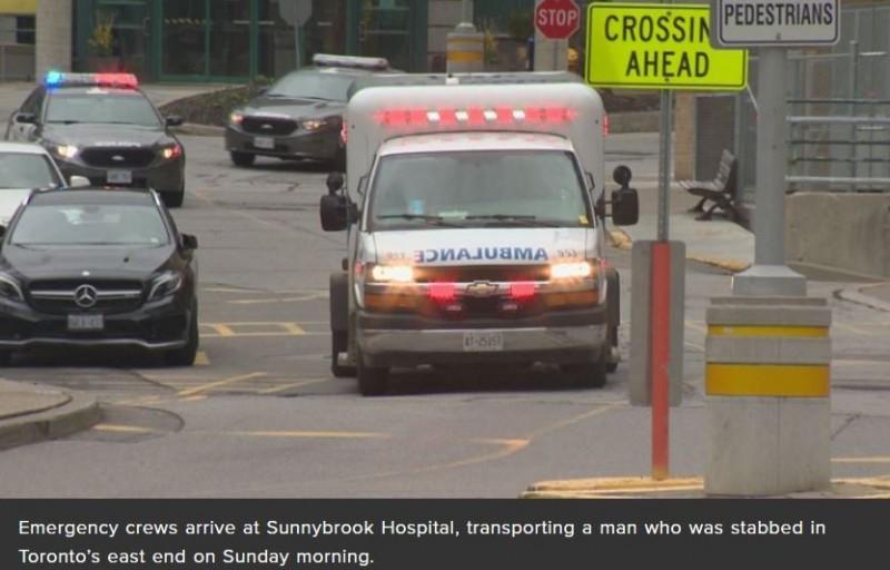 救護車正將受重傷男子送醫急救。(圖擷自Global News)