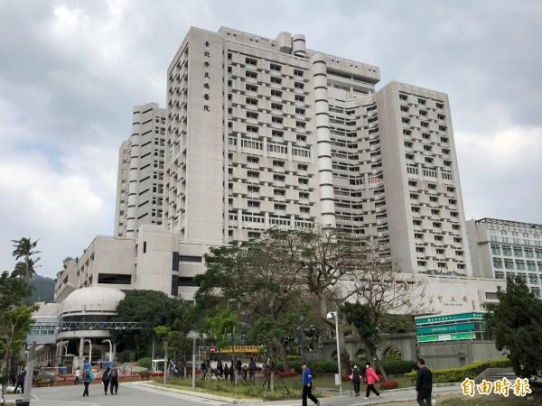 有民眾今(3)日在臉書上發文,抱怨台北市北投區的榮民總醫院單人病房不乾淨,反而引來網友批評。(即時新聞組攝)