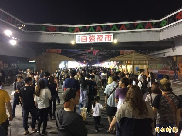 久居台中的日本大叔「色色的日本人的歐吉桑」指出,許多日本遊客可能會因為「花蓮車票難訂」這點而不去花蓮玩,希望台灣政府可以正視此問題。(資料照)