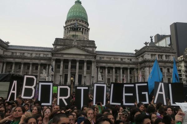 若五月底愛爾蘭公投通過廢止第八修正案,將改變數十萬名愛爾蘭女性的命運。圖僅示意,與本文無關。(埃菲通訊社)