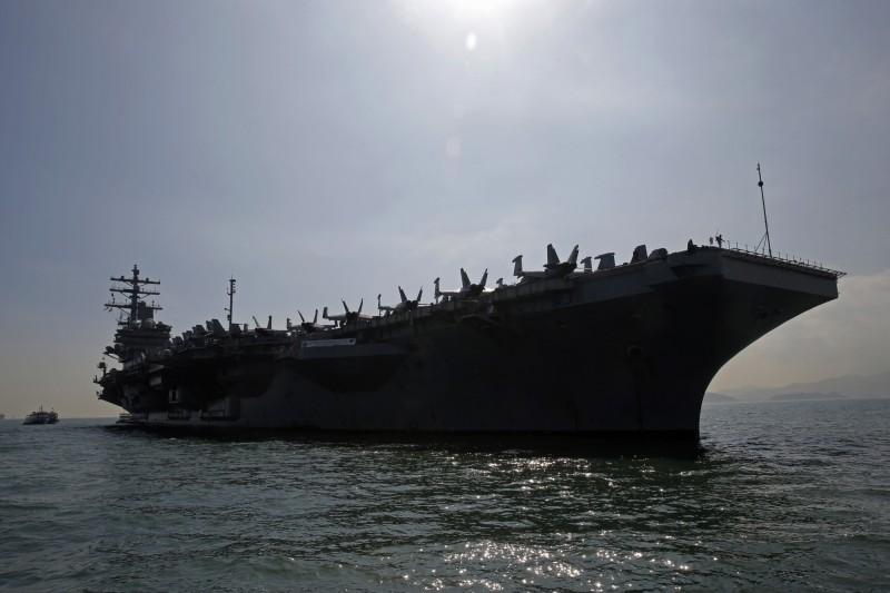 「雷根號」航母昨駛離日本橫須賀基地,開始在印太地區進行春季巡邏。(美聯社)
