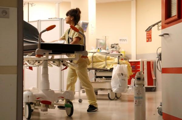 醫院最髒的地方既不是病床,也非門把,而是「窗簾」!示意圖。(法新社)