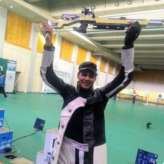迪維亞許在4月底舉行的ISSF中國北京世界盃暨奧運資格賽,10公尺氣步槍決賽項目中取得銀牌,更替他的國家印度取得了2020東京奧運的出賽資格。(擷取自NR迪維亞許I官方推特)